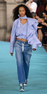 OFF-WHITE The casual ready-to-wear design brings street style to a higher level 0 the goal of Creative Director Virgil Abloh.